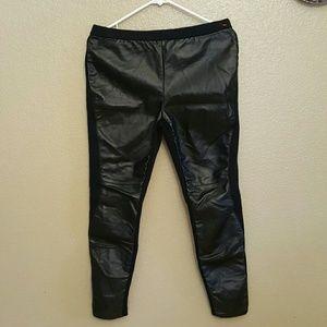 📍TROUVE  Women's black faux leather leggings pant